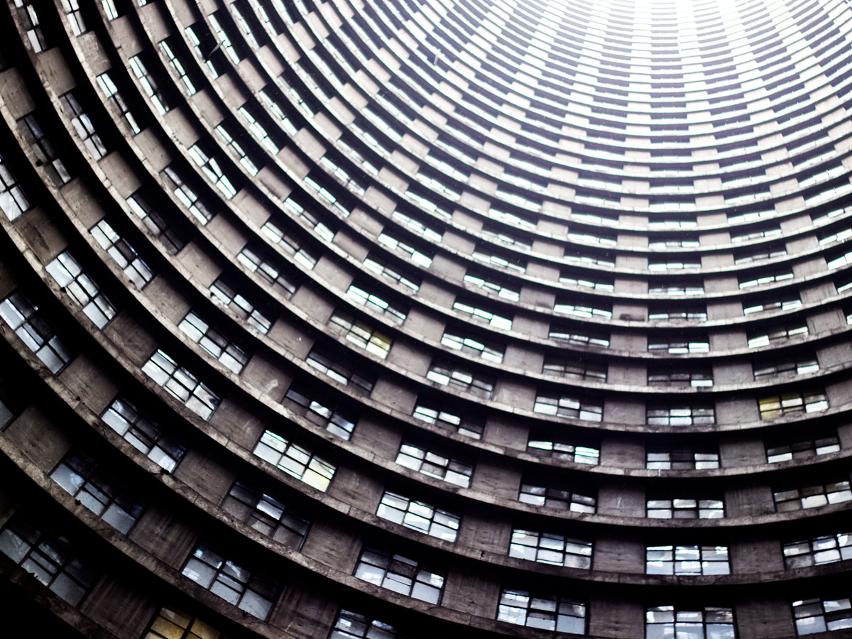 Ponte core: inner windows Photo by by ThorGutierrez