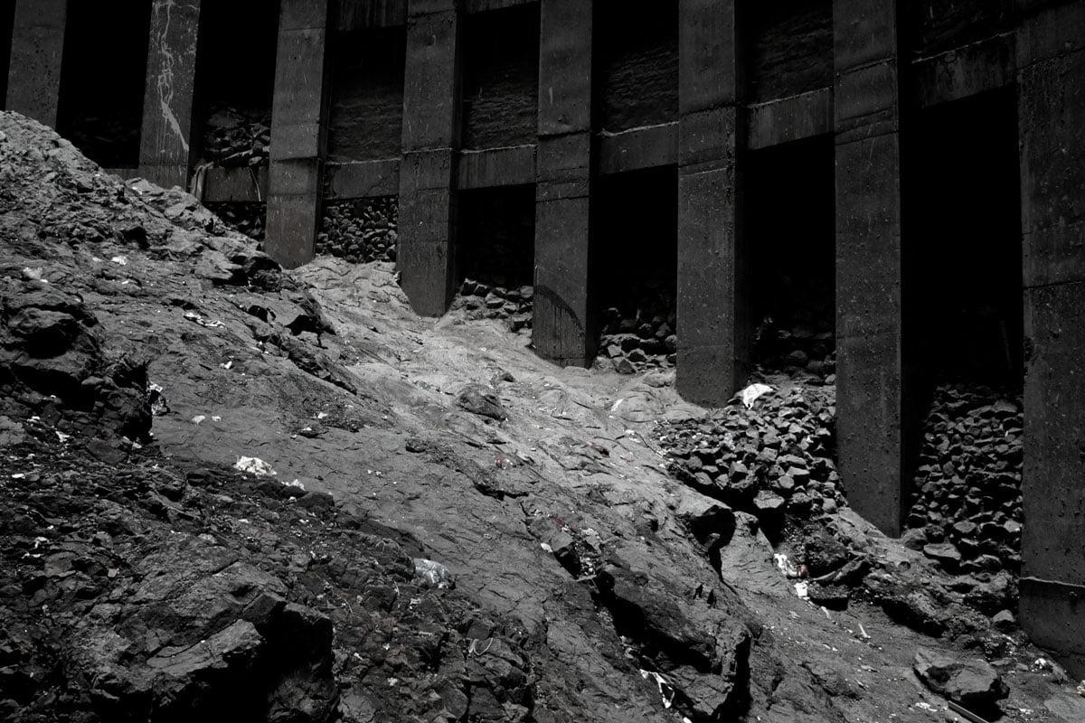 Rocky core of Ponte Photo by fiverlocker